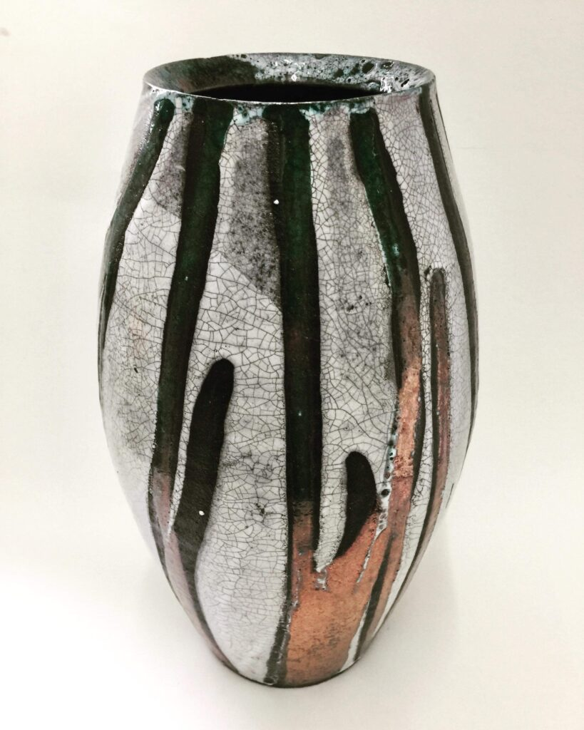 Evelyn Mcewan – PRICE Richard Raku Vase 2@2x